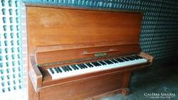 Páncéltőkés pianinó eladó