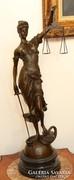 Hatalmas Justitia,jelzett bronz szobor márvány talpon!