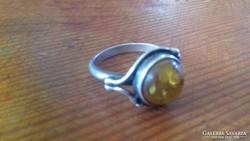 Ezüst borostyánköves női gyűrű