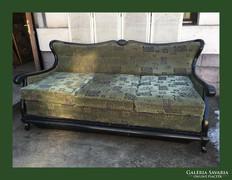 Gigantikus,neobarokk füles,nyitható kanapé,szófa