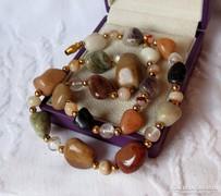 Csodás gyöngysor féldrágakövekből - föld színekkel