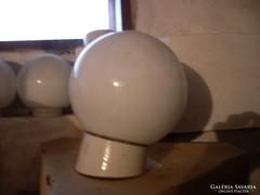 Tejüveg, opál búrás fali lámpa