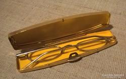 Retro aranyozott fém tokban fém keretes olvasószemüveg