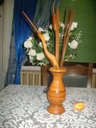 Retro fa váza gólyával