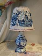 Delft kicsi asztali lámpa selyem ernyővel