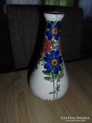 Dúsan mintázott virágos Kispest váza