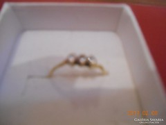 14 K Arany Gyűrű 3 Kővel