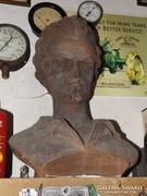 Antik iskola Mellszobor Petőfi Sándor szobor