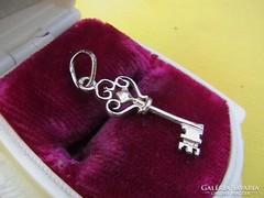 Ezüst kulcs medál