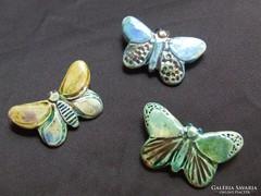 Raku kerámia ékszer, kitűző, ásvány szemű pillangó