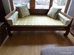 Kínai kézzel készített rózsafa, masszív un. ópium lábú ágy