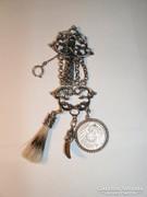 Dísze ezüst vadász relikvia. 1914-es 1 márkával.