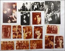 16 darab Beatles fotó + 1 nagy