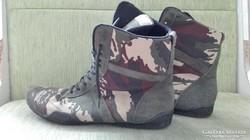 Box cipő