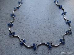Kék gyöngyös nyaklánc, egyszerű, de finom darab