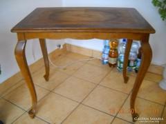 Antik kecskelábas intarziás szalon asztal eladó!