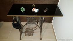 Egyedi Asztal