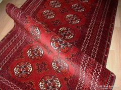 Gyönyörű kézi csomózású szőnyeg