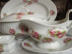 Antik rózsás  porcelán étkészlet