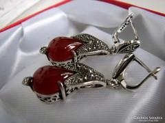 925 ezüst fülbevaló  Vörös Achát kővel és markazittal