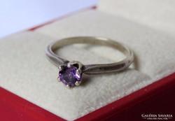Brilliáns csiszolású ametiszt köves antik ezüst gyűrű