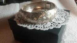 Gyönyörű mutatós ezüst karkötő