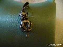Antik ezüst figuralis, cicas medál