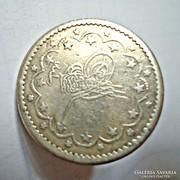 Régi ezüst érme mandzsetta