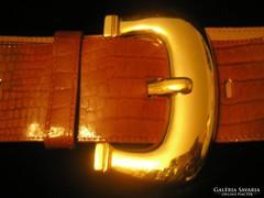 Barna kígyóbör mintás öv,aranyszínű csattal