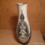 Hollóházi Jurcsák váza 30 cm magas