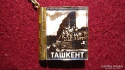 Igen szép, régi kulcstartó Taskentből