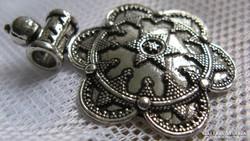 Tibeti ötvözetből készült medál