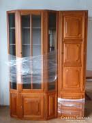 Mutatós, különleges, fából készült szekrénysor