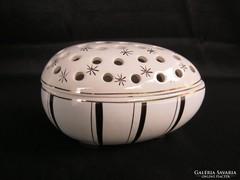 Zsolnay porcelán áttört tetejű porcelán tojás bonbonier
