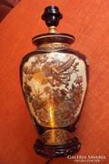 """Kézzel festett,""""Satsuma""""japán porcelán lámpatest."""