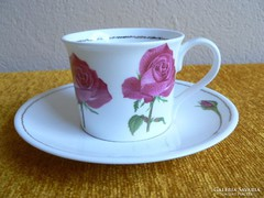 Porcelán csésze rózsás