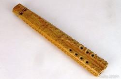 0K759 Népi fafaragás dísztárgy furulya 31.5 cm