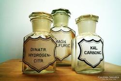 Antik gyógyszertári üvegek csiszolt dugós patikaüveg
