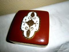 Bakos Éva Herendi  domború kézi festett doboz