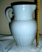 Vastag nehéz Kispesti porcelán kancsó 21,5 cm