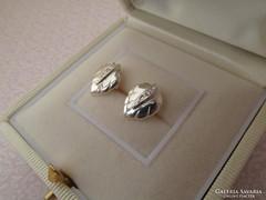 Levél alakú ezüst fülbevaló - beszúrós fazon