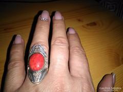 Impozáns korall gyűrű