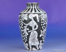0F033 Jelzett retro alakos kerámia váza