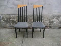 Két darab támlás szék