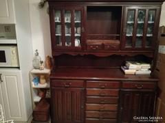 Eladó gyönyörű tálaló szekrény