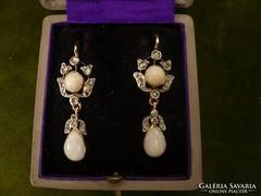 Opálos-gyémántos antik fülbevaló