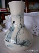 Kelet- Dél-Kelet-ázsiai váza kézzel festve