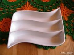 19 x 14 cm porcelán kínáló