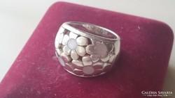 Ezüst gyűrű áttört virág mintás gyöngyházberakással 925