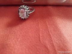 Ezüst gyűrű kővel